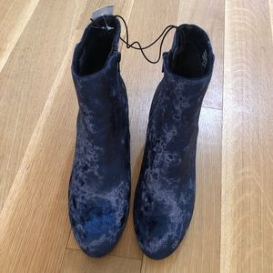 NEW LOFT blue velvet booties size 8